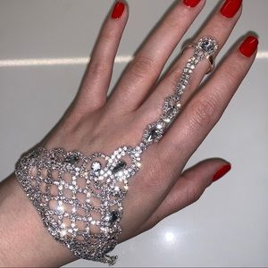 Rhinestone Hand/Ring Bracelet Jewelry Piece